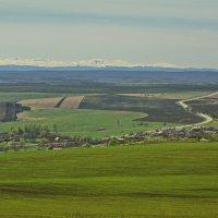 Кавказ еще в снегу :: Петр Заровнев