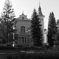 Бывший   жилой   дом   в   Ивано - Франковске :: Андрей  Васильевич Коляскин