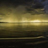 Вот и дождь. Пора собираться :: Gennadiy Karasev
