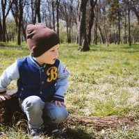Ребенок на прогулке в парке :: Ольга Соколова
