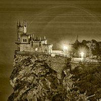 Известный замок ночью :: Александр Метт