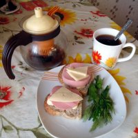 А по бутерброду со сладким чаем ? :: Мила Бовкун