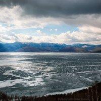 Байкал в апреле :: Алексей Белик