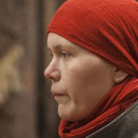 Я надевала бы красного цвета косынку... :: Дмитрий Костоусов