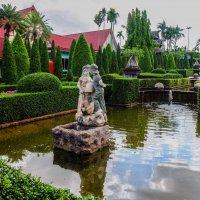 В тропическом парке мадам Нонг Нуч. Тайланд. :: Rafael