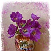 Тюльпаны в китайской вазе :: Nina Yudicheva