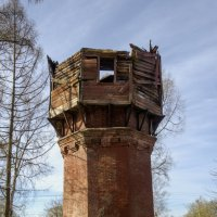 Старая водонапорная башня :: Константин Сафронов
