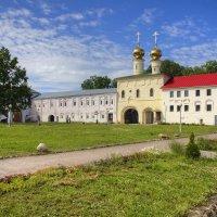 Монастырский двор :: Константин