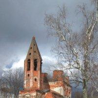 Старый храм. :: Михаил Попов