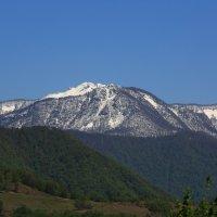 В горах еще снежок :: valeriy khlopunov