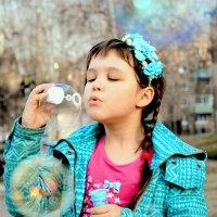 Мыльные пузыри :: Елена Малых