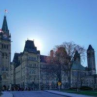 Весна в Оттаве (Канада). У парламентского здания. :: Юрий Поляков