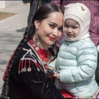 Моя мама красавица и солистка ансамбля! :: Алексей Патлах