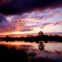 Меняет красочки закат.. :: Антонина Гугаева