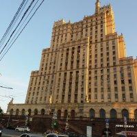Сталинская высотка на Кудринской площади у Баррикадной :: Наталья Владимировна