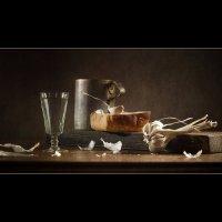 Этюд с зубчиком чеснока и корочкой хлеба. :: Lev Serdiukov