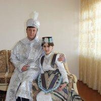 жених и невеста во всей красе :: Михаил Костоломов