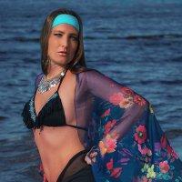 Солнце,море и красивые девушки. :: Lidija Abeltinja