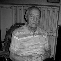 Михаил Николаевич Виноградов, 95 лет, ветеран, спортсмен, любимый дядя, отец, дед, прадед :: Tanja Gerster