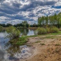 Облака над озером :: Андрей Дворников