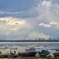 Ледоход на Северной Двине :: Виктор Заморков