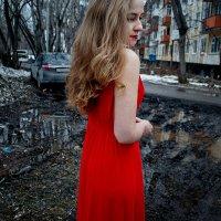 Девушка в красном :: Мария Морозова