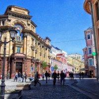 Весенний калейдоскоп столичных улиц. :: Лара ***