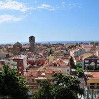 Над крышами Мальград Де-Мара. Испания :: Валерий Подорожный