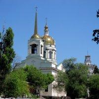 Купола храма Иоанна Кронштадтского :: Нина Бутко