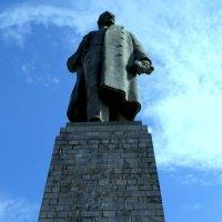 Самый большой Владимир Ильич в Мире 60 метровый исполин в г.Волгограде :: Ivan G