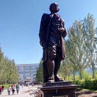 Памятник Ломоносову М.В. :: Александр Алексеев