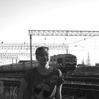 На железнодорожной станции :: Михаил Шабанов