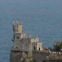 Замок Ласточкино гнездо :: Александр Рыжов