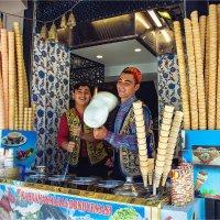 Продавцы дондурмы в Стамбуле :: Ирина Лепнёва