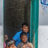 Деревенские мальчишки.Мальдивы. :: Татьяна Калинкина
