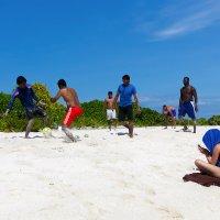 Футбол, он и на Мальдивах футбол... :: Татьяна Калинкина