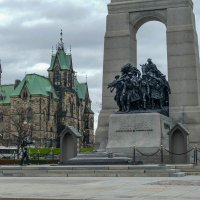 Смена караула у Национального военного мемориала в г.Оттаве (Канада) :: Юрий Поляков