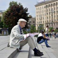 Киев. Турист на Крещатике. :: Стас