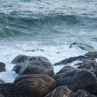 Море в Ялте бывает и такое :: татьяна