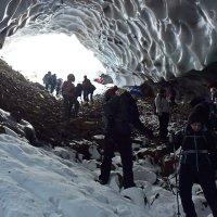 В ледяной пещере :: Сергей Карцев