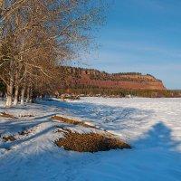 Посёлок на берегу реки :: Анатолий Иргл