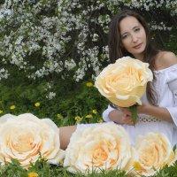 Девушка в цветах :: Анна Городничева
