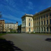 Во дворе Академии Художеств... :: Sergey Gordoff