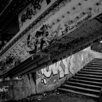 под мостом :: Наталья Сазонова