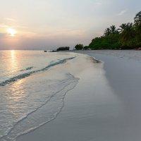Раннее утро на Мальдивах. :: Татьяна Калинкина