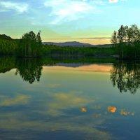 Закат над озером :: Владимир Куликов