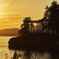 Украшен вечер золотом заката... :: Сергей Адигамов