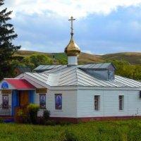 Сельский храм :: Андрей Заломленков