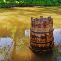 На реке вода с утра замутилася , стоит жбан дожидается . :: Святец Вячеслав