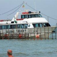 Впереди морская прогулка... :: Валерий Подорожный